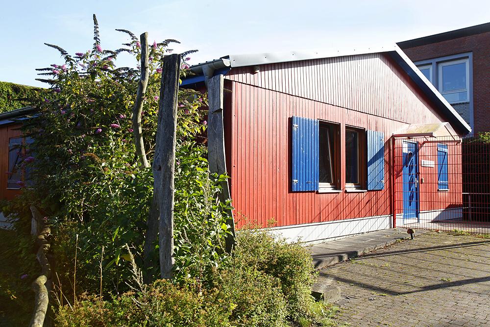 Gebäude des Schulvereins am Sportplatz des BZBS